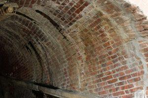 蹴上インクラインのレンガのトンネル
